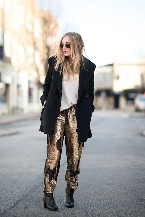 Parece mentira que puedas ponerte estos pantalones por el día, pero sí, puedes y aquí el ejemplo. En Eat Sleep Wear.